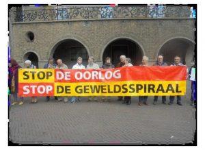 Wake :  VOOR VREDE, STOP DE OORLOG STOP DE GEWELDSPIRAAL @ Ei van Ko (stadhuis) | Enschede | Overijssel | Nederland